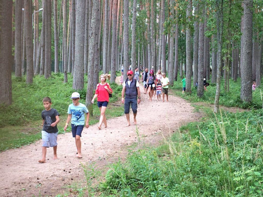 Gaujas stāvo krastu Sajūtu parkā pieaudzis ārzemju apmeklētāju skaits