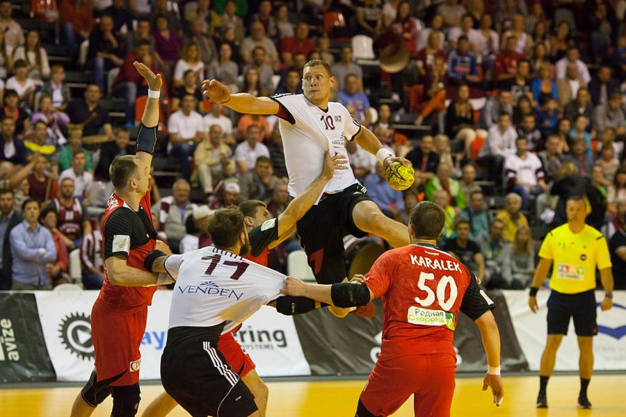 Valmierā Latvijas handbola izlase turpina cīņu par ceļazīmi uz Eiropas čempionātu