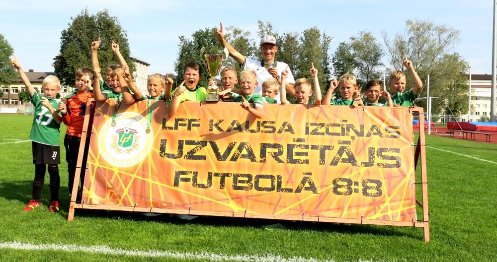 Vidzemes FC U-10 futbolistiem pirmā vieta LFF kausa izcīņas turnīrā
