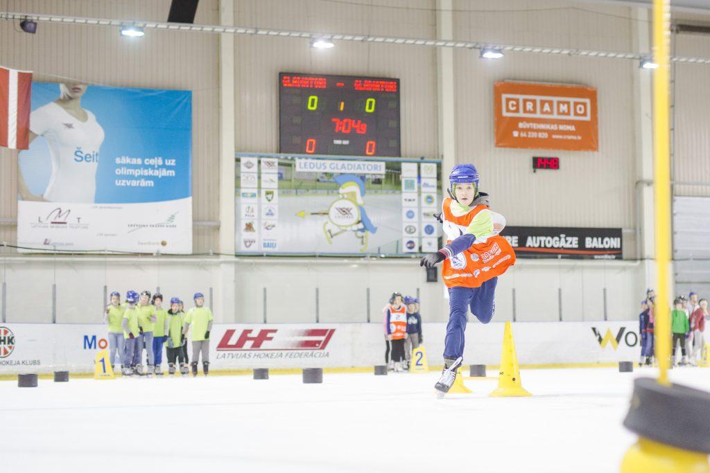 """Skolu slidošanas sacensību """"Ledus Gladiatori"""" 7. sezonā pārspēts iepriekšējais dalībnieku skaita rekords"""
