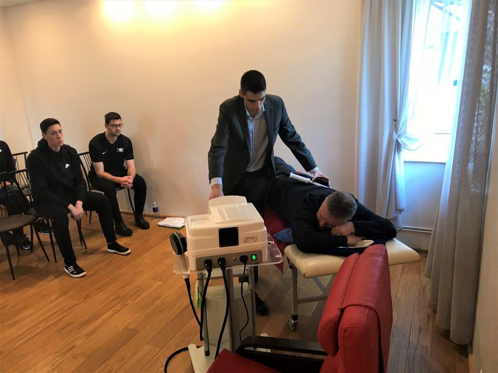 Vidzemes Olimpiskā centra fizioterapeiti prezentē jaunu, inovatīvu terapijas metodi