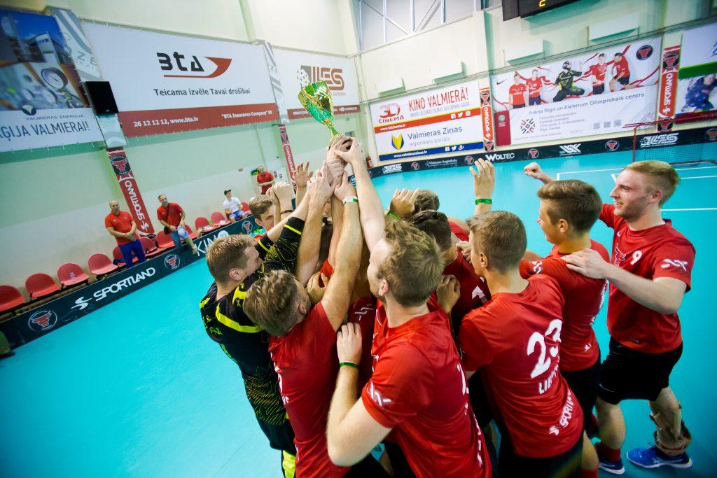 """""""Latvian Open 2016"""" florbola turnīrs noslēdzas ar FBK """"Valmiera"""" uzvaru"""